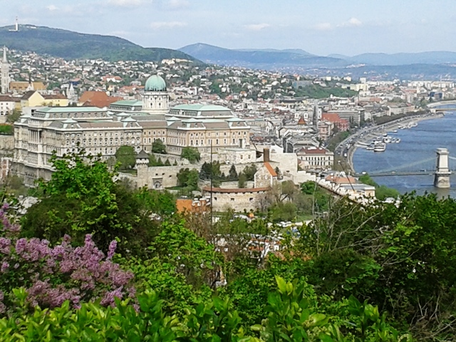 Blick vom Gellértberg auf die Buda-Seite der Stadt